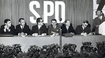 Ludwig Leisentritt, Volker von Truchseß, Hans-Jochen Vogel, Heiner Schneier, Oskar Soldmann, MdL Günter Lipp, Bgm. Rudolf Winkler