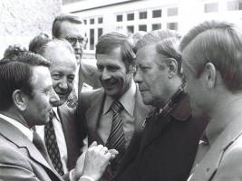 1976 Heiner Schneier, Bruno Friedrich, OB Kurt Petzold, BK Helmut Schmidt, MdB Rudi Müller