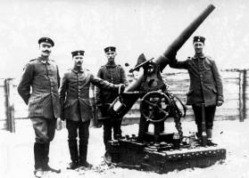 Oskar Winkler an der Kanone