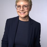 """: Erst """"Bier & Brezel"""" in Augsfeld, dann """"Bratwürst & Plaudern"""" in Sand. Die SPD-Bundestagsabgeordnete Sabine Dittmar ist am Samstag im Maintal unterwegs."""